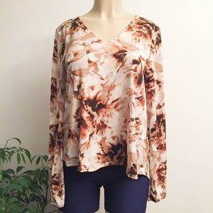 NWT Jennifer Lopez Fall Floral Top Wm353